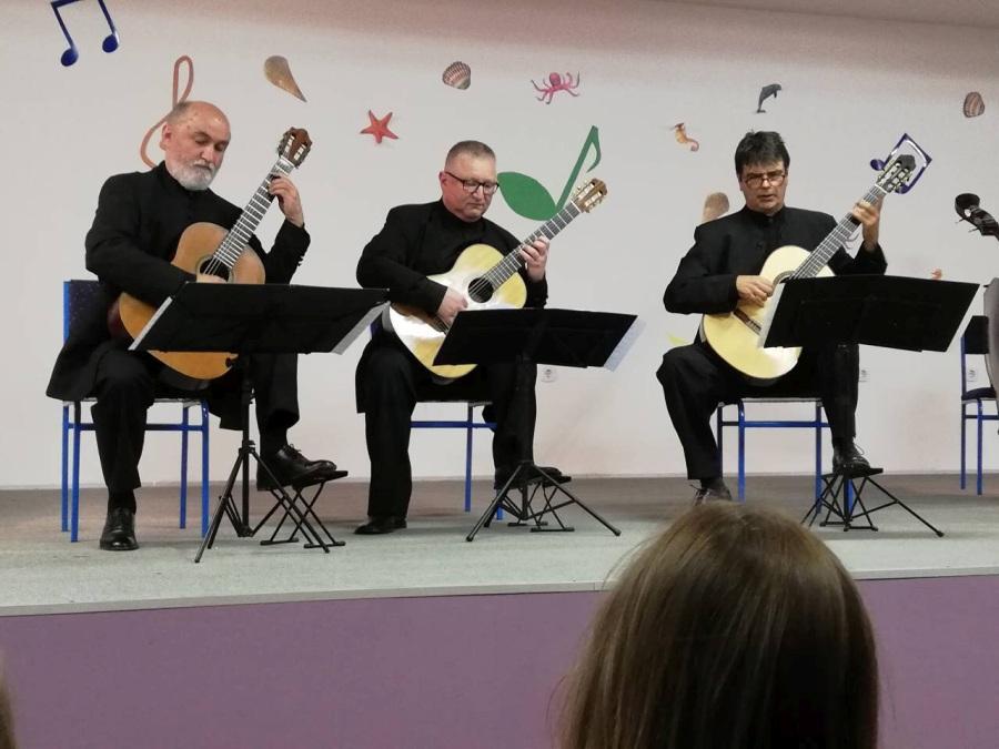 Osnovna Glazbena Skola Krsto Odak Drnis Odrzan Koncert